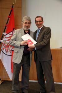 Verleihung der Ehrenamtskarte an Alain Gamper durch Ministerpräsident Matthias Platzeck